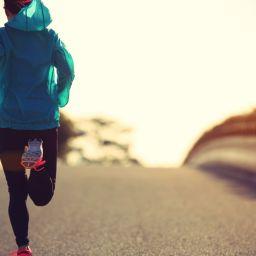 Σύγκριση 3 βασικών επιφανειών για τρέξιμο σε εξωτερικό περιβάλλον. Τι πρέπει να προσέχετε.